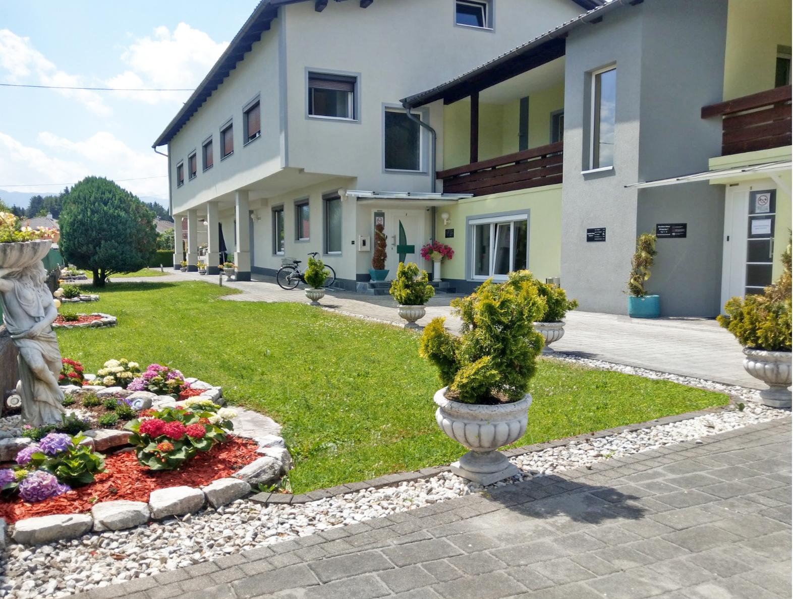 Apartmenthaus-Alpenblick-Villach-gaestezimmer-und-ferienwohnungen